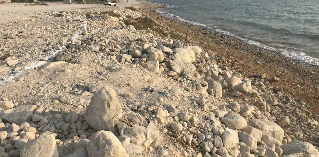 تخریب ساحل طبیعی و ماسهای دریا به بهانه ايجاد ميدان
